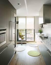 zweizeilige moderne küche mit bild kaufen 11363189