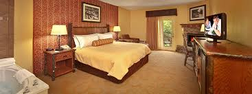 Christmas Tree Inn Pigeon Forge Tn by Oak Tree Lodge Sevierville Tn Lodging Near Pigeon Forge