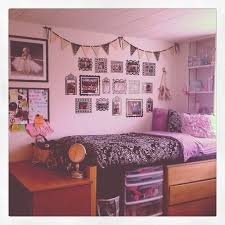 10 Must Have Dorm Room Accessories