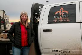 100 Hot Female Truck Drivers Quitting The Bakken One Oil Workers Story Inside Energy