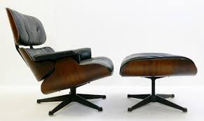 Eames Lounge Chair & Ottoman 1st Edition - Rosewood And ... Eames Lounge Chair Ottoman Armchair Vitra A Colorful And Eclectic Brooklyn Apartment Home Tour Lonny Replica Vintage Brown Walnut Fniture 9 Smallspace Ideas To Steal From A Tiny Paris By Charles Ray 1956 Pnc Real Estate Newsfeed Lovinna Storage Unit Esu Shelf Stock Photos Herman Miller The Century House Madison Wi Ding Portvetonccom