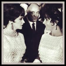 Liz Taylor Gina Lollobrigida Wearing The Same Dior Dress 1961 At A