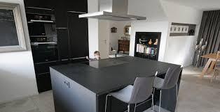 arbeitsplatte granit nero indian bernit fliesen