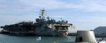 plus gros porte avion du monde l un des plus gros navires du monde le porte avions uss nimitz en