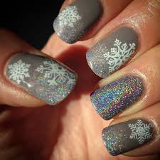 13 Snowflake Nail Art Designs For Winter