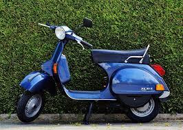 Vespa Roller Motor Scooter Cult Moped Flitzer