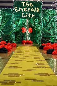 Cubicle Decoration Themes Green by Best 25 Homecoming Themes Ideas On Pinterest Spirit Week Themes