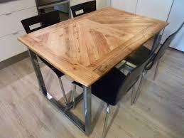 table de cuisine en bois massif table de cuisine en bois