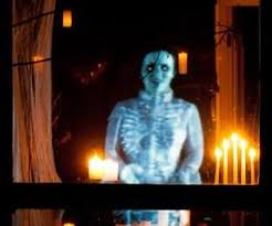 Halloween Chasing Ghost Projector by Best 25 Halloween Ghost Projector Ideas On Pinterest Halloween