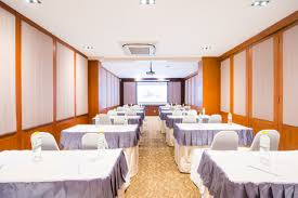 100 Room Room MEETING CONFERENCE ROOM