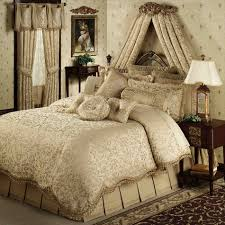 To Buy Luxury Bedding Delightful Hollywood Glamour With Modern