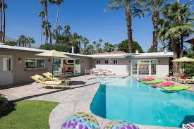 Palm Springs Vacation Rentals and Palm Springs House Rentals
