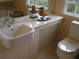 does this happy d duravit sink come on a pedestal