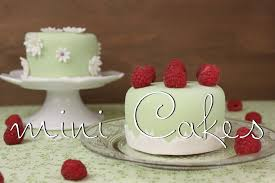 mini cakes kleine torten mit fondant backen frühlings törtchen selber machen