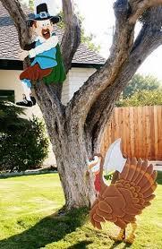 Fun Thanksgiving Yard Decorations & Displays