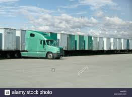100 Trucks And Trailers Usa Truck With Many In Distribution Center Yard Pennsylvania