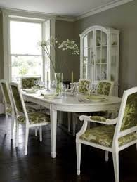 Havertys Rustic Dining Room Table by This Havertys Lakeview Dining Table Is Sure To Give Your Dinner