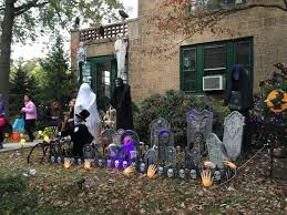 Rickys Halloween Locations Queens by Trick Or Treat The Best Places To Enjoy Halloween In Nyc With