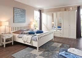 ein schlaftraum aus massivholz mit loddenkemper zieht