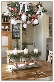 Kitchen Table Decorating Ideas by Best 25 Farmhouse Christmas Kitchen Ideas On Pinterest Kitchen