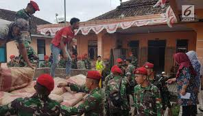 FOTO: Aksi Kopassus Berjibaku Bantu Warga Korban Gempa Bumi - News ... Blog Page 22 Of 88 Mcer Transportation Co Join The Foto Empat Alat Berat Robohkan Bgunan Pasar Blora News Garbage Trucks For Children With Blippi Learn About Recycling Military Thread V25 Peterbilt 389 Youtube Dales Transport Truck Wash Out And Steam Los Angeles Bluesteer Blue_steer Twitter Food Truck Wikipedia Truckfax March 2012 Big Creek Barbq Home Facebook Andiamo October 2015 Castaic Wash