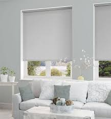 Living Room Curtain Ideas With Blinds by Best 25 Roller Blinds Design Ideas On Pinterest Diy Roller