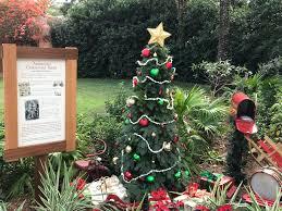 Plutos Christmas Tree Dvd by Christmas Decorations At Epcot U2013 Photos