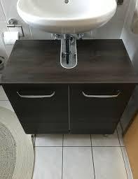 unterschrank badezimmer braun