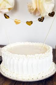 Tutorial For How To Make A Rustic Wedding Cake Frosting Design