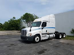 Trucks For Lease - LRM Leasing What Lince Do You Need To Tow That New Trailer Autotraderca Lvo Trucks For Sale In Florida 2015 Fl Scadia Used Semi Arrow Truck Sales 2013 Coronado Cventional Sleeper Roehl Transport Equipment Leasing Roehljobs Commercial Tampa Youtube 2006 Freightliner Cc13264 For Sale Orlando By Dealer Bumpers Cluding Volvo Peterbilt Kenworth Kw Oilfield World Sales Brookshire Tx