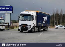 100 Volvo Truck Center LIETO FINLAND NOVEMBER 14 2015 Renault S T With
