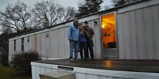 Warren Buffett s mobile home empire preys on the poor
