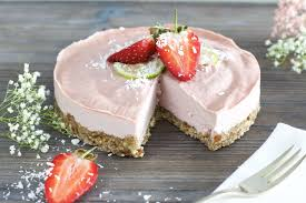 gesunde erdbeer creme torte glutenfrei vegan naturallygood