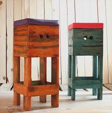 DIY Wooden Pallet Stool Pair