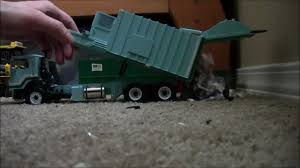 100 First Gear Garbage Truck S At The Transfer Station Recycling Center YouTube