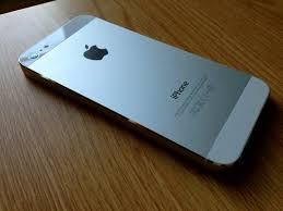 When It es To The iPhone 5 White Is The New Black [First