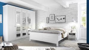 schlafzimmer landhausstil weiss caseconrad