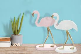 dekofigur gold rosa flamingo wohnzimmer deko