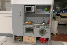 cuisine en bois enfants fabriquer cuisine enfant fabulous attractive en une newsindo co