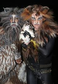 cats on broadway purr fect grumpy cat makes history in broadway s cats