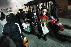 Halloween Express Woodbury Mn by Where To Trick Or Treat In Orange County Cbs Los Angeles