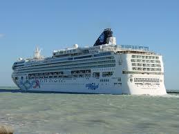 Ncl Norwegian Pearl Deck Plan by Norwegian To Spend 400 Million On Refurbishment Program Cruise