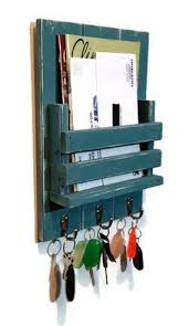Entryway Mailbox And Key Organizer With Slotted Bin