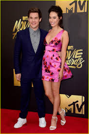 Halloweentown 2 Cast by Anna Kendrick U0026 U0027pitch Perfect 2 U0027 Cast Hit Mtv Movie Awards 2016