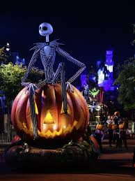 Anaheim Halloween Parade Time by 0922at Hparade1edk0677 Sc 4749 Jpg T U003d1253959228