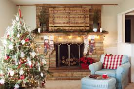 Painted Pallet Christmas Mantle The House Of Belonging
