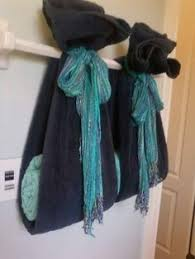 Decorative Towels For Bathroom Ideas by Ways To Decorate The Towel Racks In Your Bathroom Upstairs