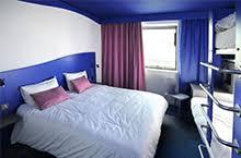 chambre hotel 4 personnes hôtels du site du futuroscope professionnels du tourisme futuroscope