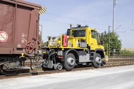 Mercedes Unimog Road-Railer Goes From Truck To Diesel Locomotive ... Weston Langford 106253 Clematis 6a Shunting Truck From 1100am Droeys Draws Shunting Trucks Shunt Service Edmton Trucking Company Rene Transport Ltd Image Skarloeythebrave43png Thomas The Tank Engine Wikia Around Youtube About Us Calgary Unimog U 423 Roadrailer Takes Over Operations At Habema Members Layouts Loddon Vale Model Railway Club And Friends Sodor Locationknapford Yards Sabre 5 Truck Trailers Capacity Aaa Daisy Vs Trucks By Thodorengines On Deviantart Nov 11 1952 And Tender Crash Into Cottage At