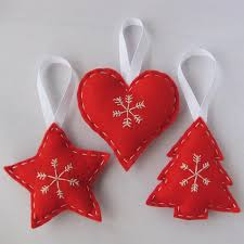 felt ornaments could be crafted quickly and